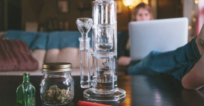 How To Safely Purchase Glass Pipes In Australia For 2021